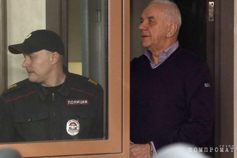 Экс-ректора вуза в Коми арестовали по подозрению в коррупции